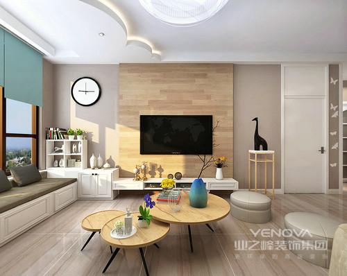 整个空间以木色、白色为主色调,营造温暖又朴质的意象,呈现简洁、纯净的居住空间。空间设计强调室内的功能属性,却以变化的形式,让简约和抽象的艺术装饰出不凡的生活品味,让空间在实用之余,多了现代艺术。装修中极简便让空间看上去非常简洁,大气,而局部空间恰当地以收纳柜提升空间的功能性,让空间多了实用智慧。