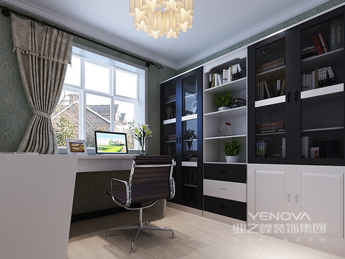 书房的吊顶脚线凸显出讲究地施工工艺,豆绿色自然元素的壁纸让空间格外素静,延续空间的简单;黑白色调组合的书柜简洁而实用,与书桌和椅子构成现代艺术,让设计在美观与实用中平衡出生活哲学