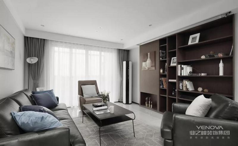 现代简约风格设计中主要体现的就是简约性的设计理念,在房屋装修中,许多人喜欢简约却又时尚的设计,因为这样的设计能体现出房屋主人的个性特质和不同的喜好。