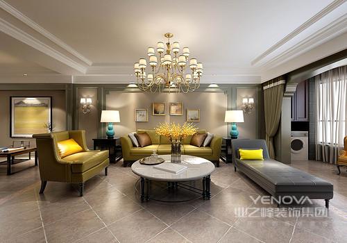 在朴质沉静色调中,姜黄色的沙发和白色大理石茶几上的玻璃瓶花,呼应出空间的明媚活力,并提亮了空间;驼色背景墙上镉绿墙板勾勒,温暖细腻中带着清新意蕴,客厅在色彩的层次彰显中,意趣盎然。