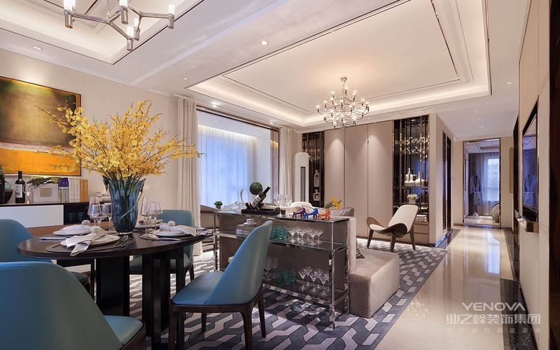 风格诠释:整个空间以咖色和亚麻色为基调,通过明亮的对比以及硬包的运用,营造出极简恬适的居家风格,设计师在空间也对空间结构关系做了很大的调整,增加了半开放式厨房,吧台以及中置式电视墙,让客户在繁重的工作后可以在饮食上享受到生活的情趣。