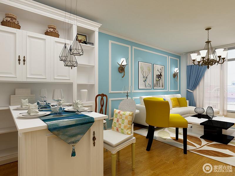 餐厅以白色为主,原本开放式的空间让生活多了自在和互动,白色的定制出兑和餐桌与客厅背景墙的蓝色调,成就了空间的现代优雅,色彩对比之中,再加上配饰的点缀,凸显生活的品质。