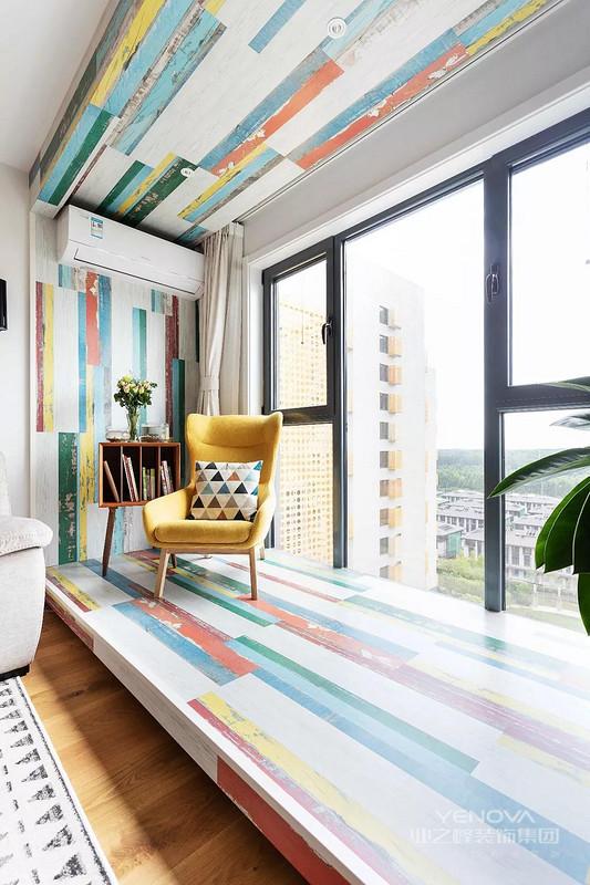 以简约的表现形式来满足人们对于简约却不简单的居室环境的要求,由于现代人快节奏、高频率以及满负荷的生活节奏,导致了人们需要在一天的工作之余,想要得到一个简约型的空间来得到一个心灵的放松,希望能够在家中摆脱世俗的繁琐、复杂并且追求简单、自然的的生活状态。
