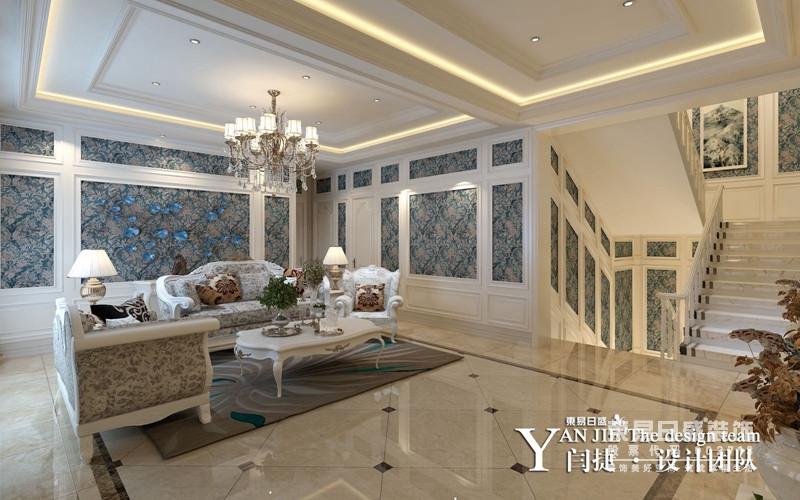 拾阶而上的二楼区域主要设置了起居厅、棋牌室、茶室、与四个卧室,多卧室布置满足了主人的留客需求