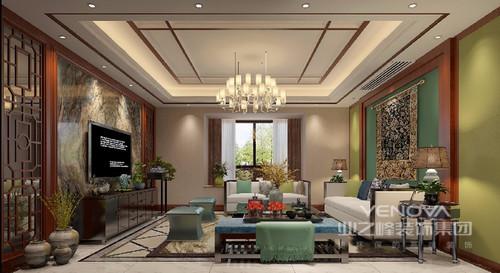 客厅运用了丰富的色彩搭配,青草绿、灰蓝绿、米白与红木色彩间交叠相间,使空间富有层次;装饰的镜面花窗,又将中式的典雅呈现。