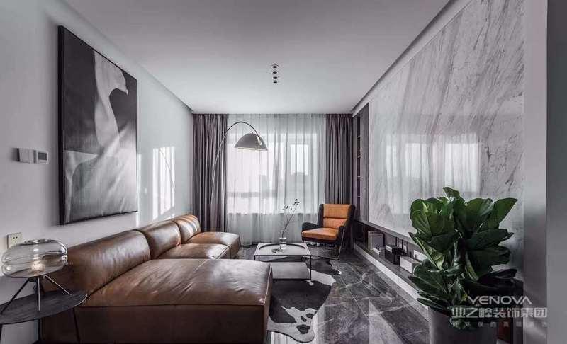 对于设计来说混搭风格凝聚了其他风格的元素,打破了现在古典、奢华、庄重、简繁之间的界限,混搭风格跨越不同年代和背景,以一种独特个性的特点展现在我们面前,所以说随意性则是混搭的特点之一。