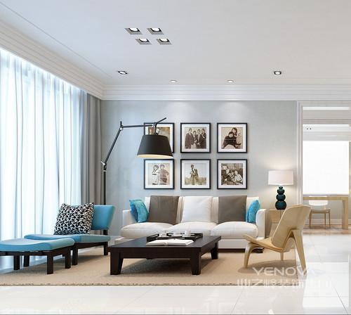 北欧简约主义风格别墅装潢设计中,色调上以浅色系为主:白色、米色、浅木色等,当中白色的运用尤其重要。北欧是一个寒冷的地方,所以在别墅装修中会采用明亮温暖的颜色。近年来北欧风格中黑白配搭得运用非常多,即使不是作为主色调,白色在装饰搭配中也很重要。  白色的墙壁白色的书柜白色的家具,北欧简约风中白色被使用极致。即使加入其它颜色,白色仍然是主调。
