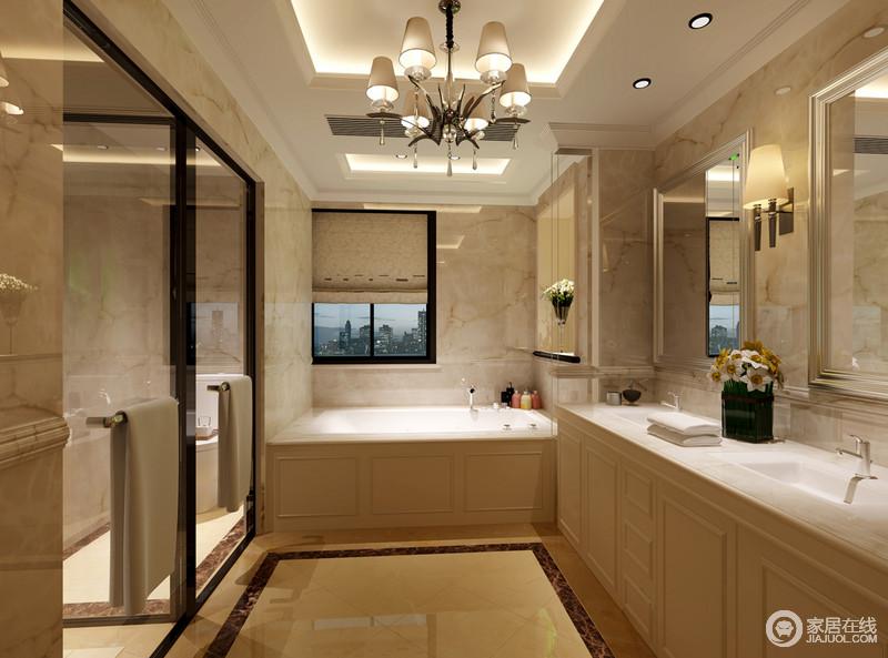 设计师用通透的玻璃门,将里侧空间分别隔离出淋浴间和如厕区;外部则让浴缸与盥洗台相连,相同的材质令空间规整统一;整个卫生间看上去井然有序,且互不干扰的形式,让日常盥洗独立方便不受影响。