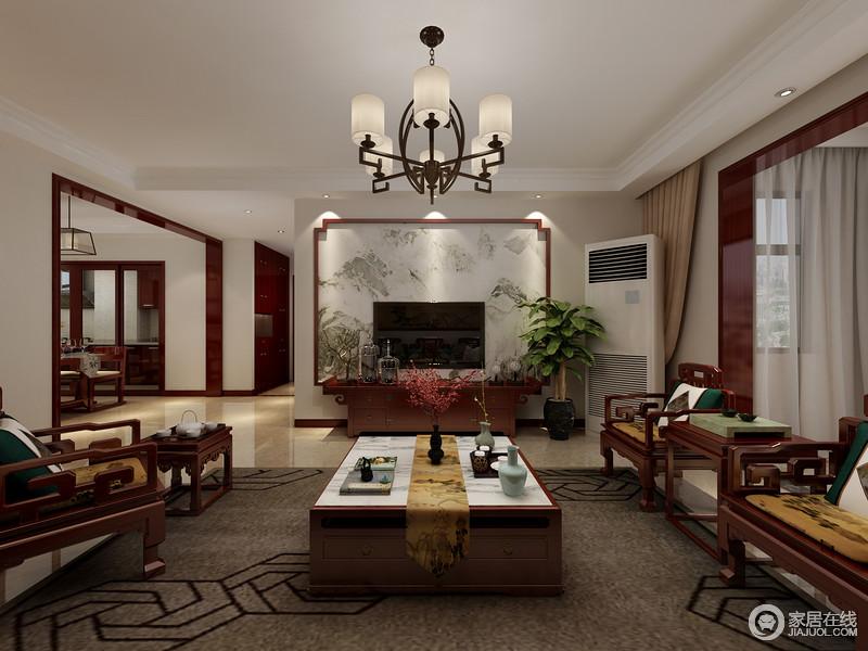 客厅的背景墙借清墨来表达田园的隽雅,却强调中式写意感;褐色地毯的几何给空间带来沉稳,并因中式实木家具更添加了年代和工艺感,让生活具有传统文化气息。