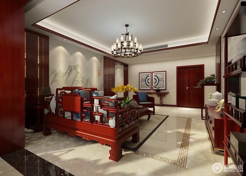 新中式客厅结构规整,吊顶以木线勾勒矩形结构,并借灯带做强化,同时,与地砖构成呼应,延续几何美学;红木的家具因为材质自身的色彩、质地显得颇为尊贵。