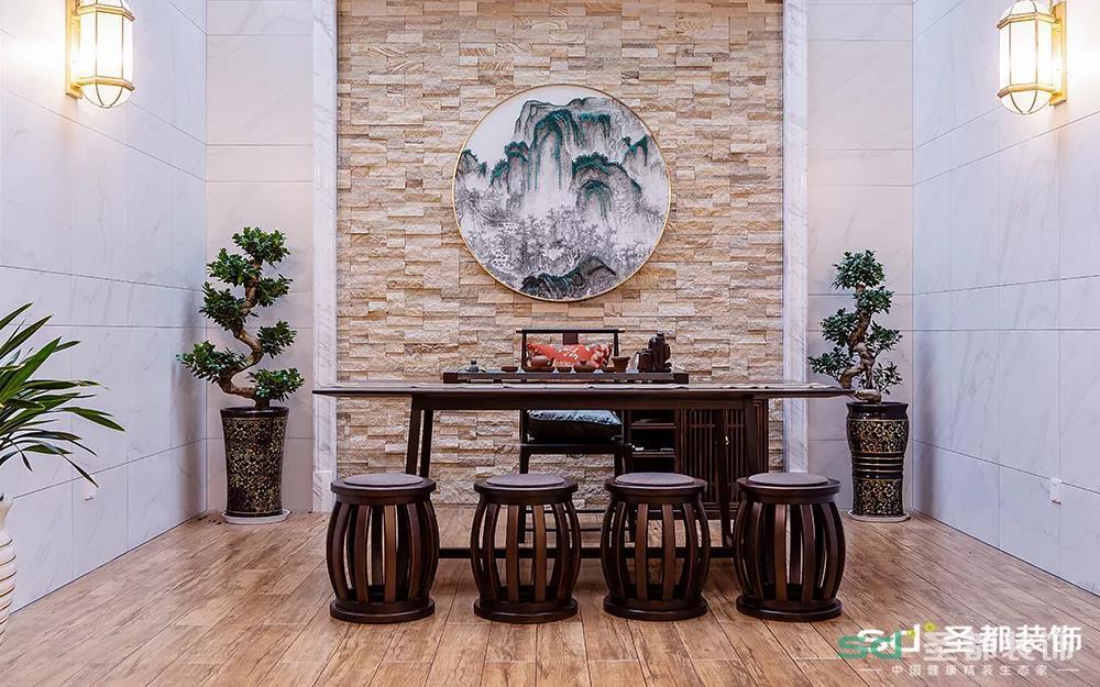 最最最满意的设计就是这个茶室,新中源的仿木纹砖和文化砖简直给力,空间色彩轻重对比,质感虚实结合,集合了新古典和新中式的精髓在这里喝喝茶聊聊天,舞文个弄个墨也是极有滋味。
