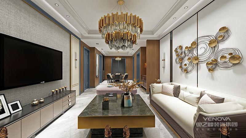 自然简洁,展现出的是港式家居风格。自然的木质色调使居室充满休闲的氛围,是快节奏都市生活的休恬的港湾。 最为大胆突出的处理就是把主人房设计为开放式的空间。 布置简洁,客厅的以黄色为主调,展现一个休闲的氛围。 休闲的藤制沙发配合白色的软垫,配合仿古地砖,展现出和谐宁静的家居生活气氛。