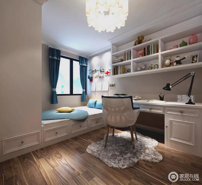 最小的卧室用多功能的柜体书桌和榻榻米组合在一起,为业主营造更舒适的生活方式,每一处小小的细节都体现出了设计师的用心。