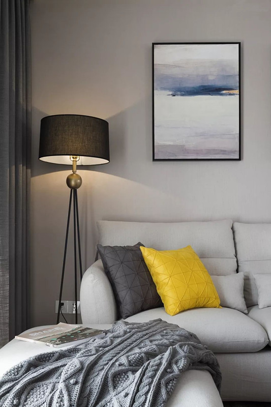 现代简约风格灯饰搭配纯白沙发更完美