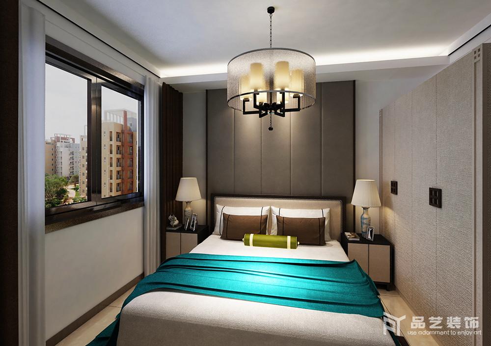 臥室把利用板材作為背景墻,與原木衣柜形成色彩差異,卻以幾何樣式凸顯利落;對稱地家具陳列出了和諧,白色床品帶著新中式之意,在藍色毛毯的點綴中,帶來色彩的活力,更填清新雅靜。