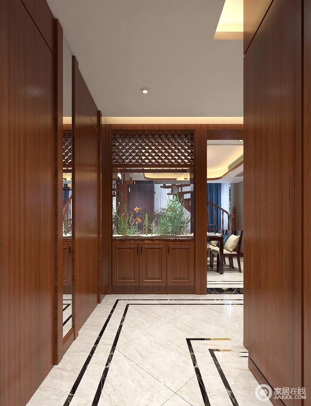 一些念,若尘,一些梦,幽幽,隔而不隔,界而未界便是隔断的作用;门厅也因为实木结构的明确,让立面更为温实。