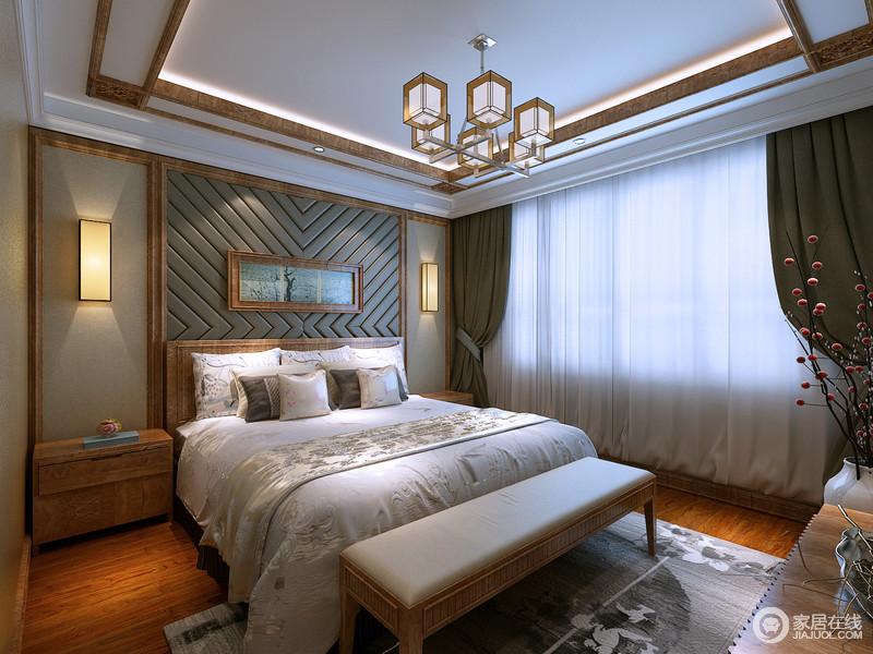 卧室整体色彩幽静平素,木线勾勒的床头背景墙,对称宫灯光影氤氲,中央几何软包线条生动活泼,床头显得颇具雅意;木质双人床上,浅灰色床品花纹精致,细腻的呼应着地毯纹饰,同白瓷瓶插花束,虚实相映出婉约浪漫。