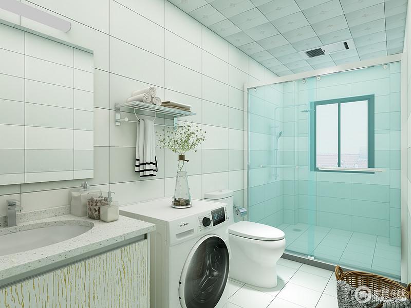 卫生间整体给人的感觉就是干净整洁,白色的卫浴配上白色的地砖墙砖,让空间的视觉感受变得不那么拥挤,干湿分离的设计很好的分出空间的功能划分。