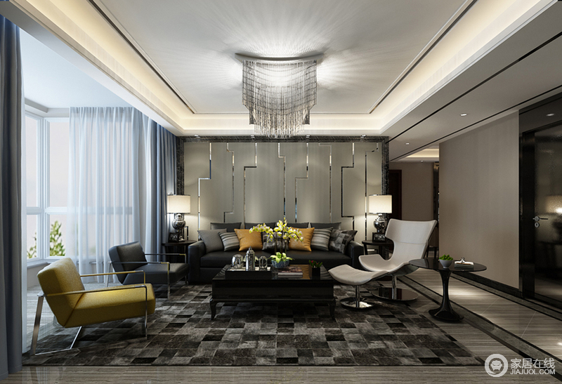 客厅璀璨水晶灯,瀑布般映射于室;沙发墙浅驼软包上,不规则镜面银线个性装饰,折射着灵动光线,为内敛空间增添流光溢彩的精致;沙发与座椅则在黑白黄的搭配间,彰显时尚雅调;灰黑马赛克地毯的渲染,愈加显得空间沉稳华贵。