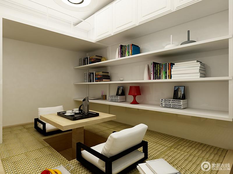 次卧没有房常规的床而是采用了榻榻米的设计,一来解决了喝茶休息的问题,二来还增加了家庭储物功能。