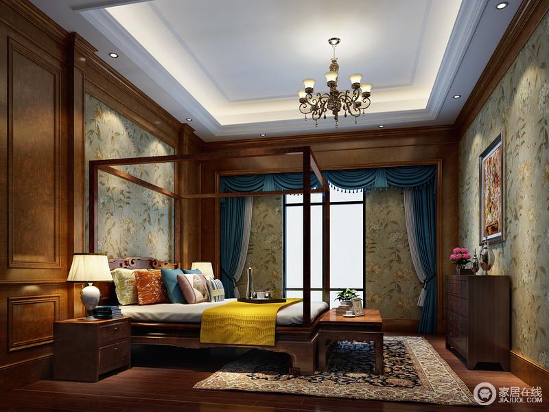 床榻陈几、木雕家具组合,更显中式的内敛朴拙。在墨绿花卉壁纸的营造下,起居于此,让人没有丝毫浮躁,同时也展现出空间的静谧淡雅之气。多彩的床旗与靠垫,则点亮空间缤纷色彩。
