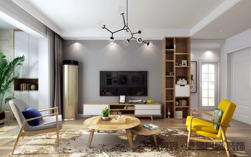 客厅从生活出发,灰色墙面简素之中,衬托着电视的镜面感,并因玻璃吊灯多了通透之美;实木几何收纳柜与地面呈和暖,而北欧实木家具组合简洁之中营造舒雅,编织的中性色地毯因为黄色单椅和蓝色靠垫,多了色彩活力。