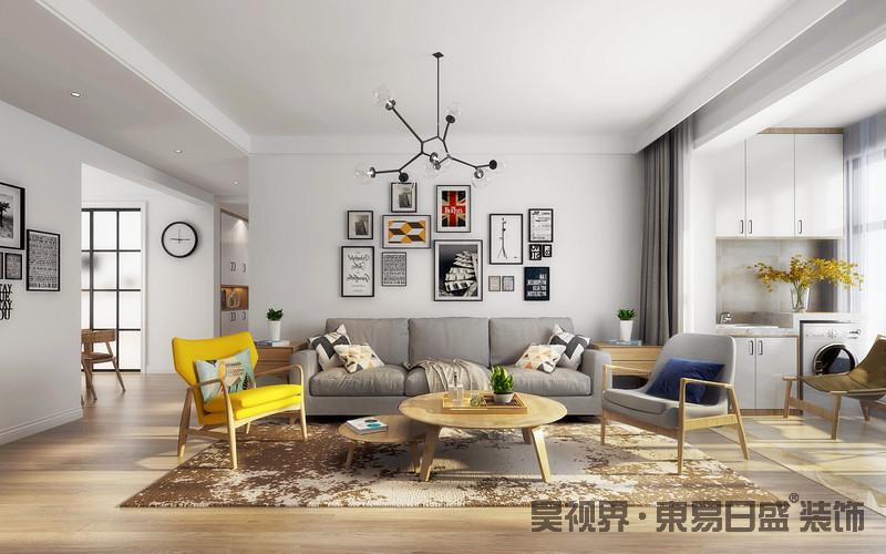 客厅的沙发背景墙以白色为主,通过简画注入艺术气息,一改单调;灰色布艺沙发因为实木家具的陪衬,少了枯燥,更显温实、舒适。