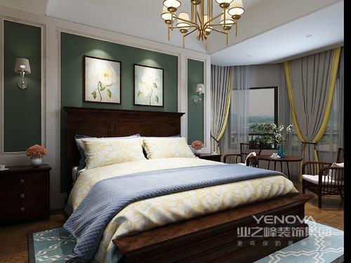 墨绿色背景墙,选择咖啡色的床头靠背显得整个房间古典优雅,床头壁灯富有欧式的迷人色彩