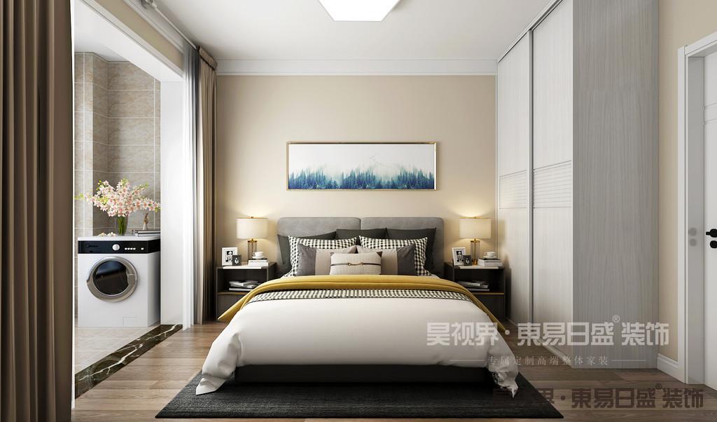 满足日常生活需要的情况下,卧室墙面打掉全部外扩,利用一些过道面积,使卧室空间尽量释放。