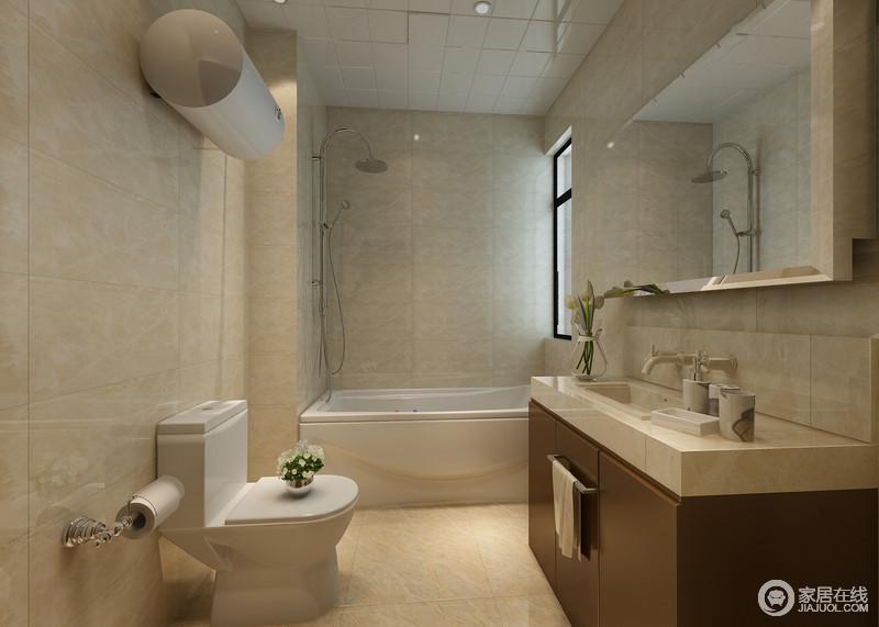 米黄色的卫浴空间里,充满了温馨情调;简洁的功能区,紧凑而干脆利落;盥洗台下储物柜则采用棕褐色实木,无形中减弱了空间的单调,平衡了沉稳的视觉感。