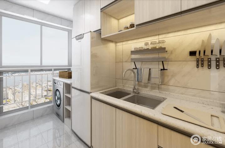 厨房功能是储存必备,为日常生活提供餐饮的保证。按厨房的功能可分为以下区域:储存、洗涤和烹调。通常又把这三个区域所形成的三个点所构成的三角形称为厨房工作三角形,考虑体现厨房的功能性。由于厨房空间狭长,底柜设计偏重表现简约风格,虽然形式看似简单,但每个抽屉内部是不尽相同的使用各种内置式抽屉和金属拉蓝,给主人提供了方便的操作空间。