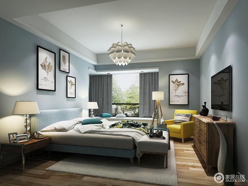 卧室的墙面以浅蓝色为主,搭配主题简明的挂画,给人清爽宁静的感觉;灰色系床品与实木边柜、个性化灯具释放着艺术带来的温馨,简洁中更富品质。