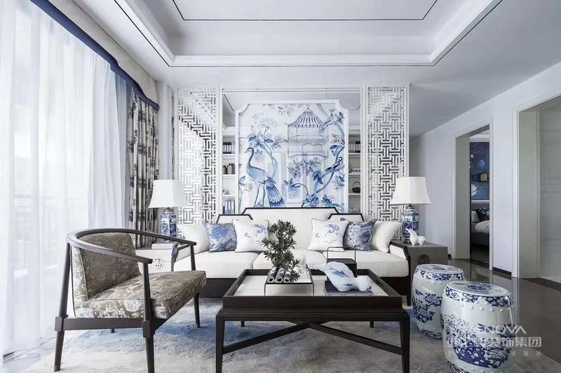 新中式风格的装修不仅要注重色彩的搭配,还要注重材质的搭配,通过不同的颜色和材质来将传统元素与现代元素融合在一起,从而使整体风格更加贴近生活,也更好地表现东方魅力。