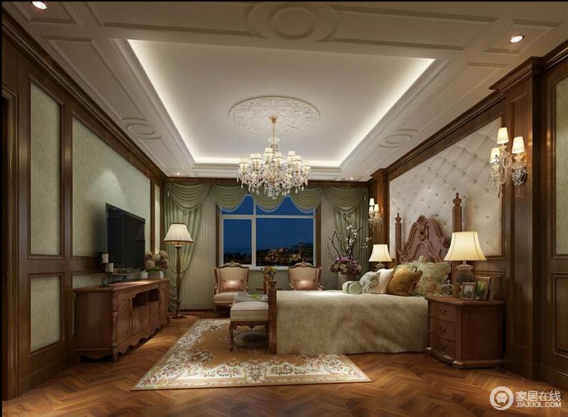 主卧:暖色的地板、米色的床头背景墙搭配绿色的墙面和窗帘,别具一格,又不失高雅。