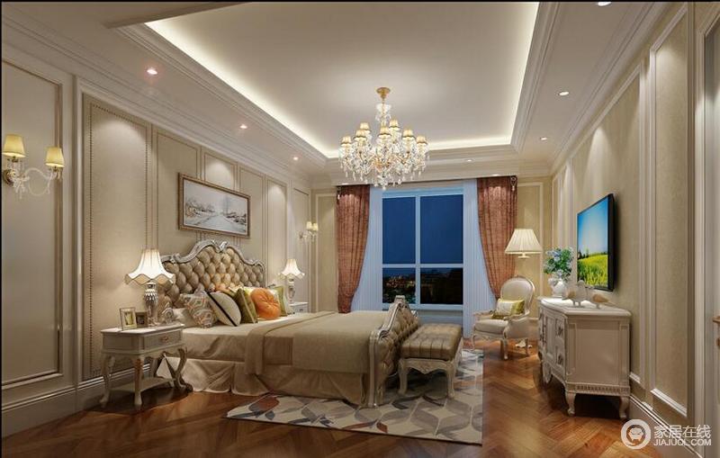 次卧:采用的简欧,简单的墙面线条和水晶灯,简单大方