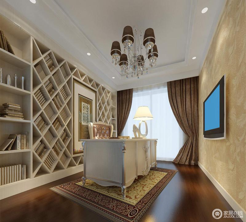 设计师以拼接的形式,用横竖的格子柜配格子架,顶天立地的占满整个墙面,打造出充足的书籍收纳空间;书桌椅华美时尚中流露着一丝浪漫甜美,迤逦的花纹地毯呼应着米黄暗纹壁纸,优雅素简的缔造空间韵味。