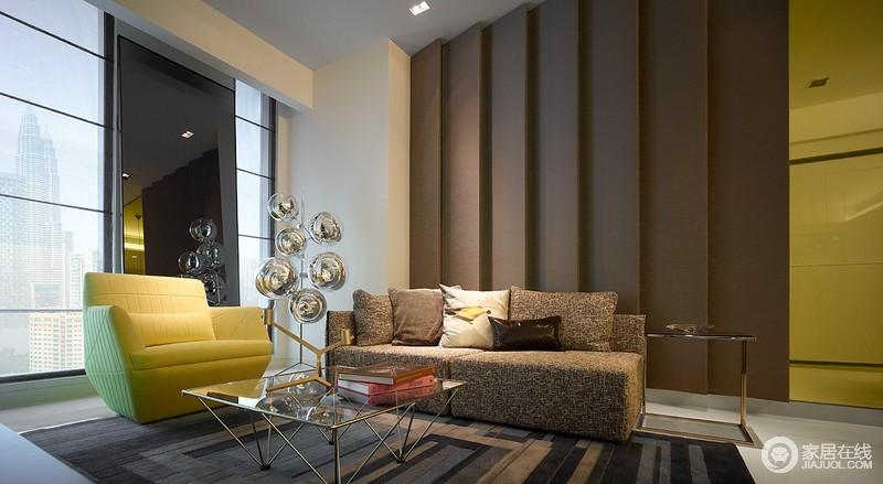 灰色的舒缓的色调选择与丰富的交互的青绿色和黄色。